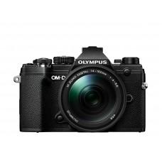Olympus E-M5MarkIII+14-150 sort/sort